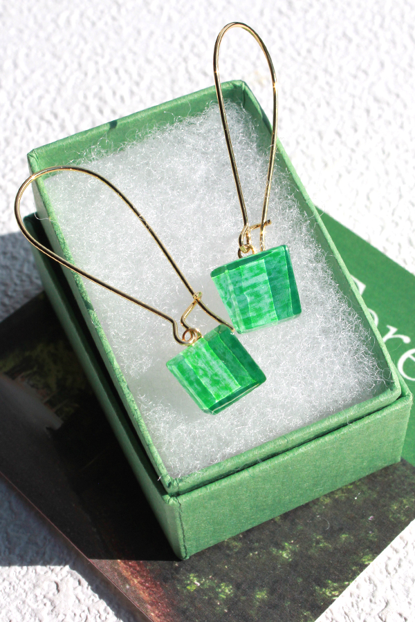 伊勢志摩シリーズ ガラスのハンギングピアス