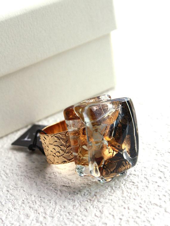 ガラスのリング